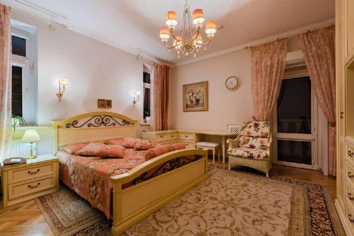 Роскошная резиденция в Лесниках